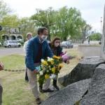 8.10  homenaje flores